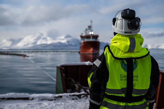 Combating oil spill in Greenland